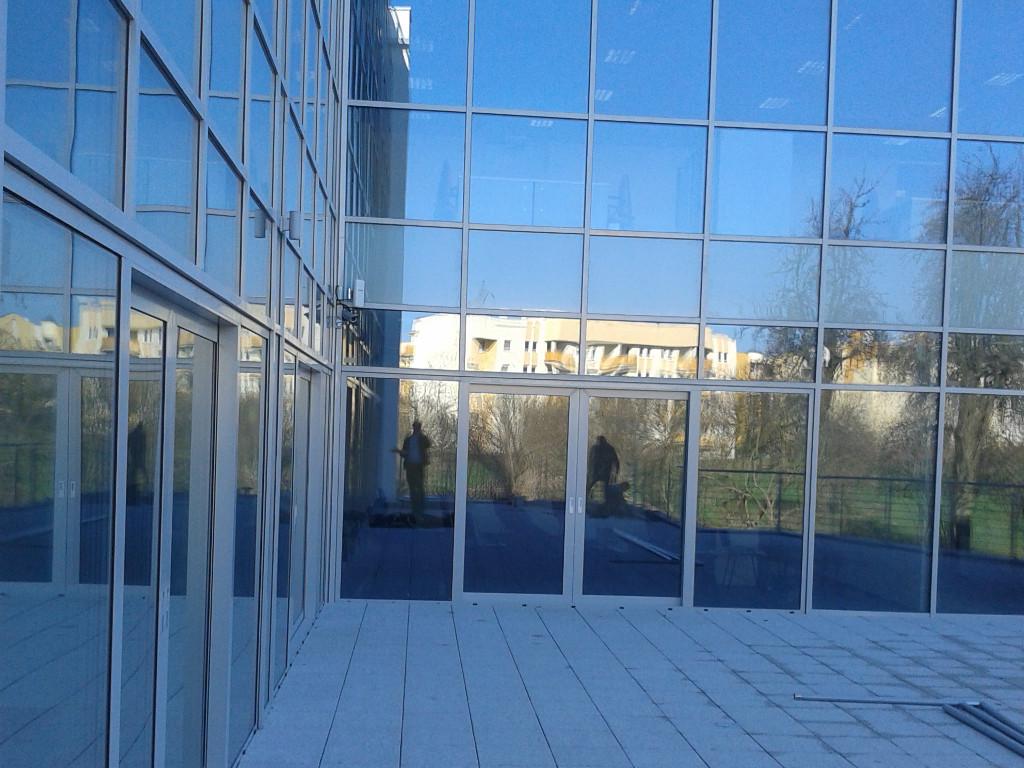 Budynek biurowy w Poznaniu 10 Fasada aluminiowo-szklana