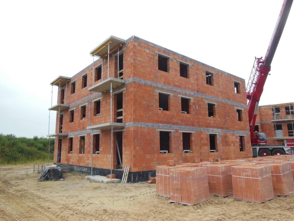Budynek mieszkalny wielorodzinny Szamotuły 04 w trakcie budowy