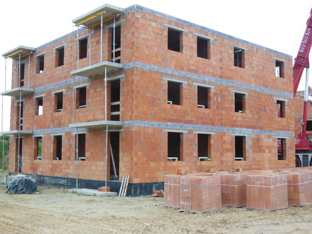 Dom w Szamotułach wznoszenie konstrukcji budynku