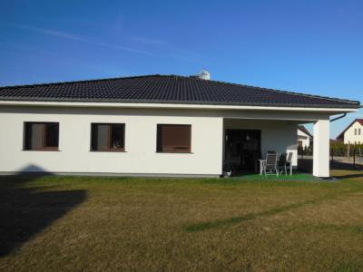 Dom parterowy z tarasem